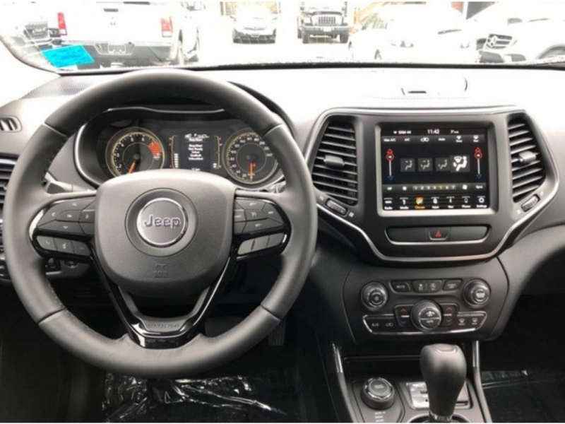 Jeep Cherokee 2019 price $31,888