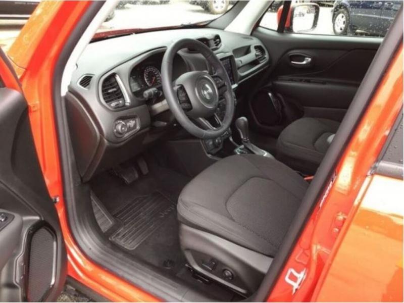 Jeep Renegade 2019 price $32,888