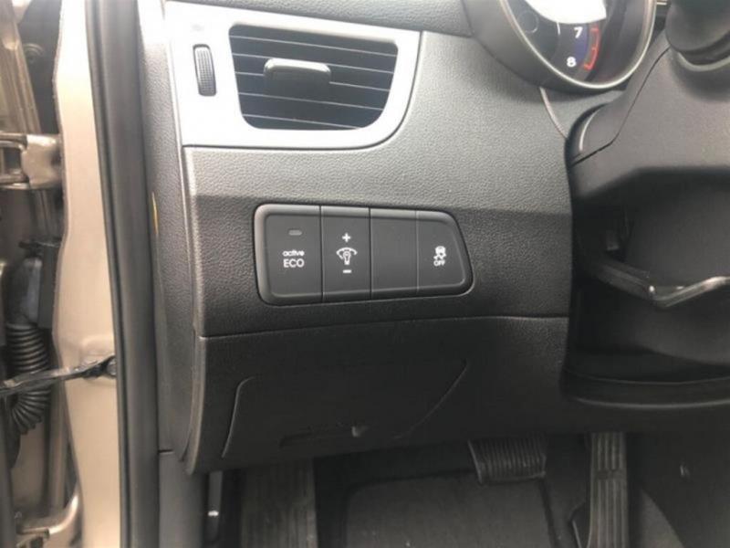Hyundai Elantra 2016 price $11,388