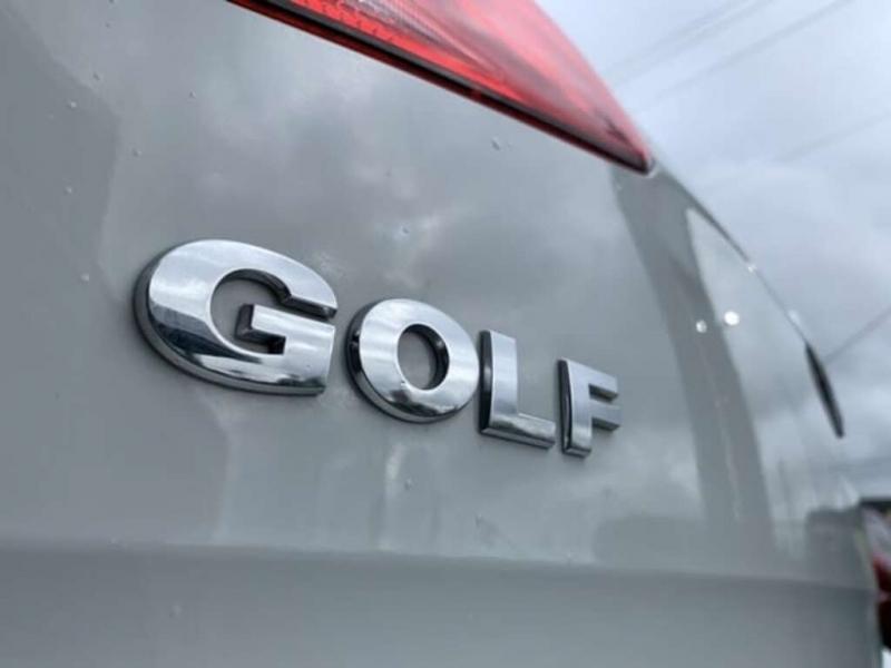 Volkswagen Golf 2018 price $17,488