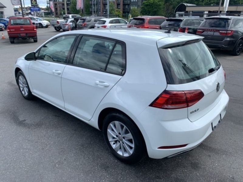 Volkswagen Golf 2018 price $17,688
