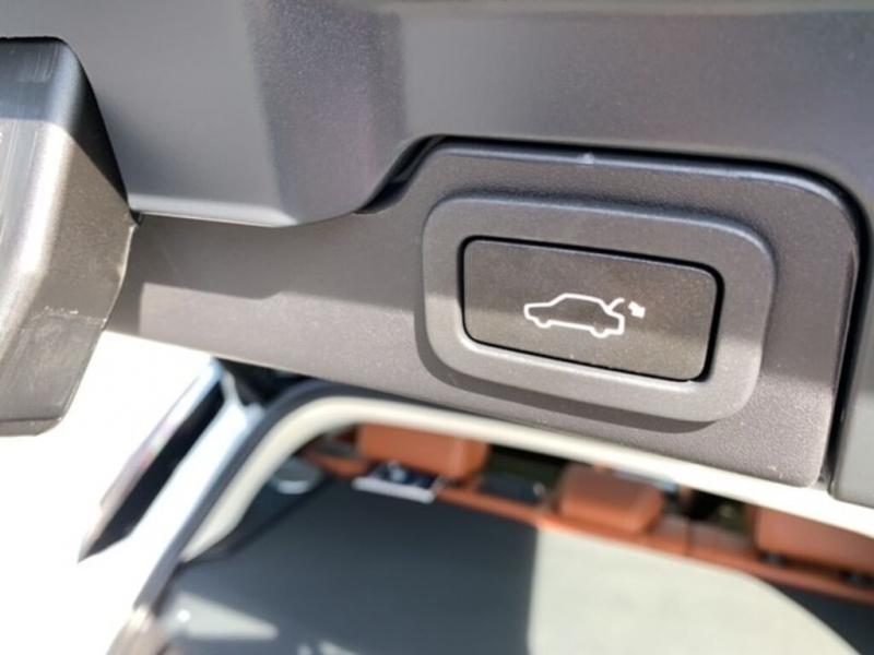 Land Rover Range Rover Evoque 2012 price $28,888