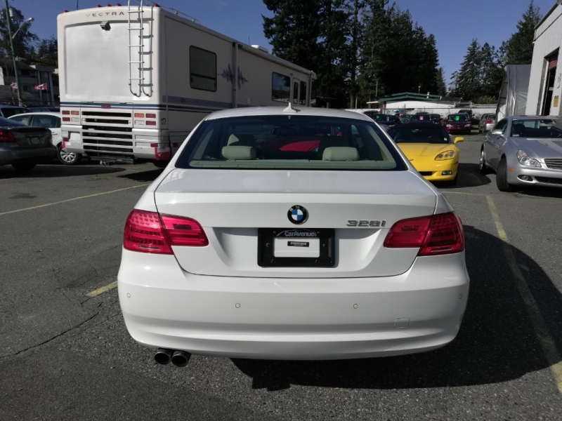 BMW 3-Series 2013 price $17,999