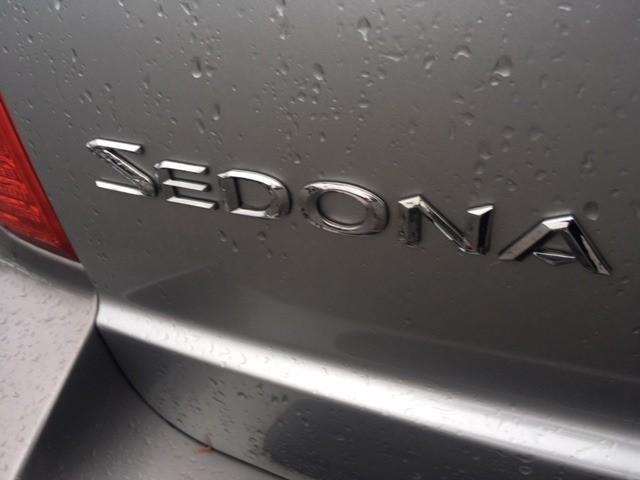 Kia Sedona 2005 price $5,950