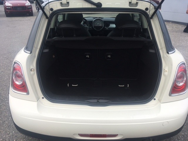 Mini Cooper Hardtop 2012 price $12,840