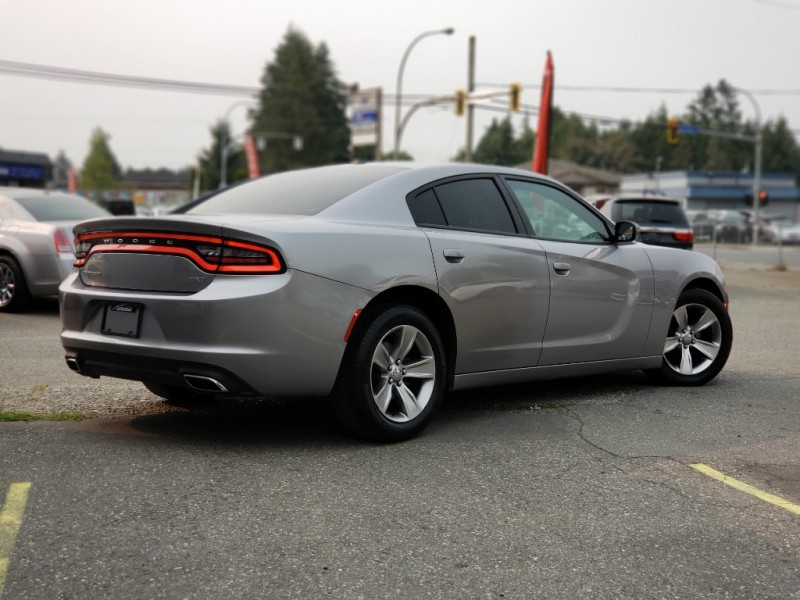 Dodge Charger 2015 price $18,999