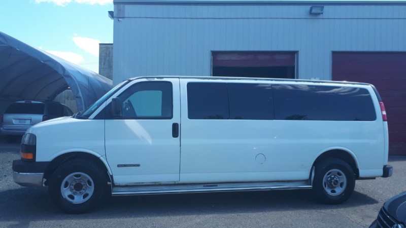 GMC Savana Passenger 2003 price $14,999