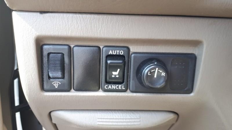 Nissan Pathfinder 2001 price $4,999