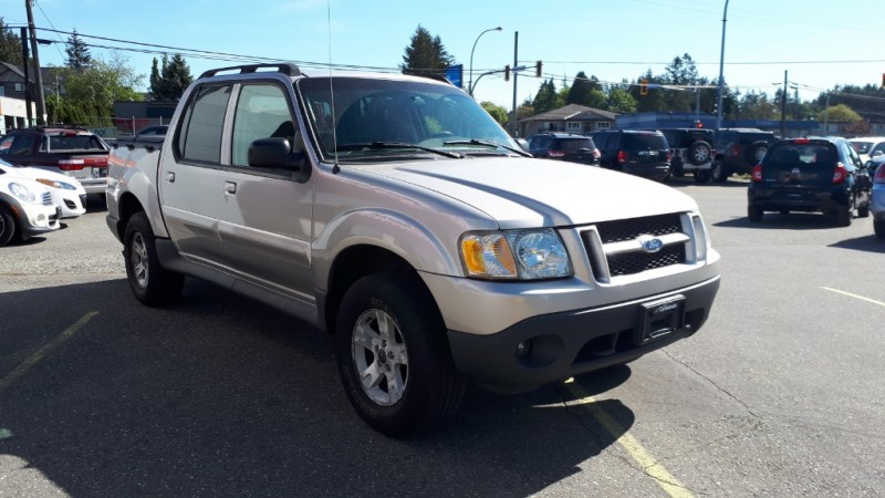 Ford Explorer Sport Trac 2005 price $8,999