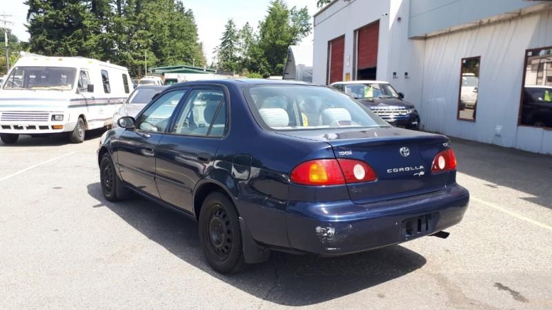 Toyota Corolla 2002 price $2,999