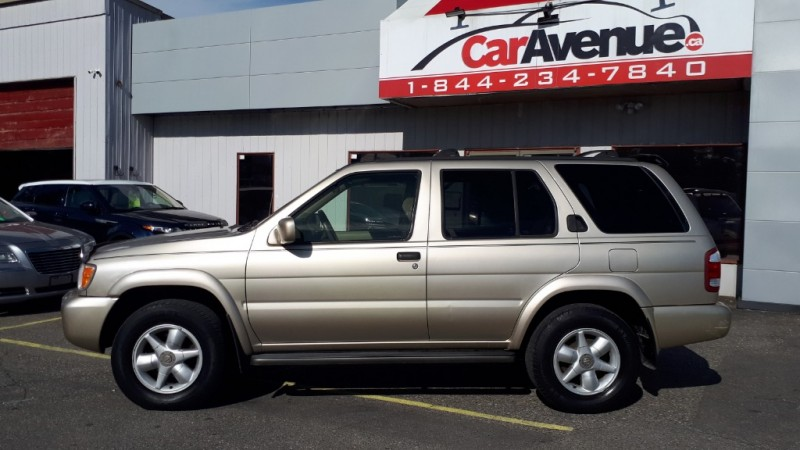 2000 Nissan Pathfinder LE- 4X4! SUNROOF! A/C! LEATHER! HEATED SEATS!