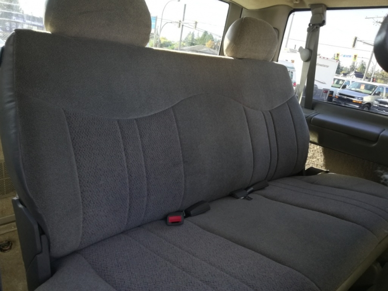 Chevrolet Astro 2002 price $5,999