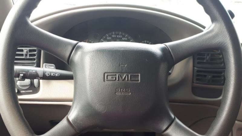 GMC Safari 2002 price $5,999