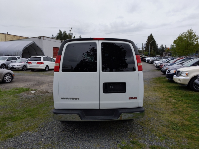 GMC Savana Passenger 2005 price $14,888