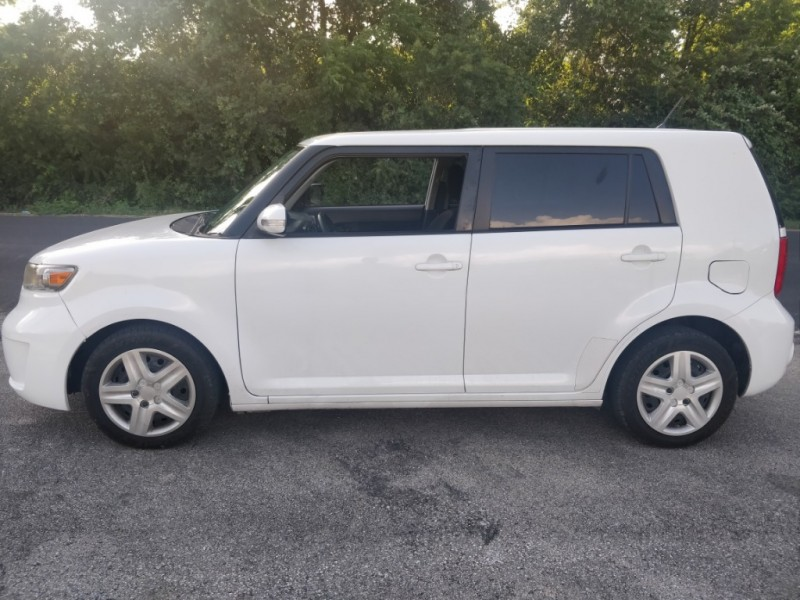 Scion xB 2009 price $4,895