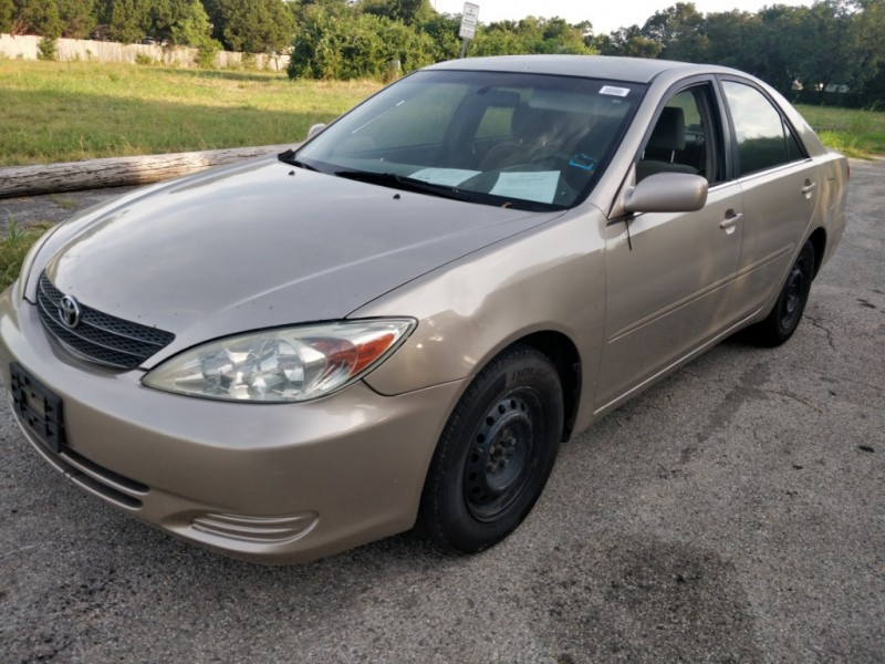 Toyota Camry 2004 price $2,500