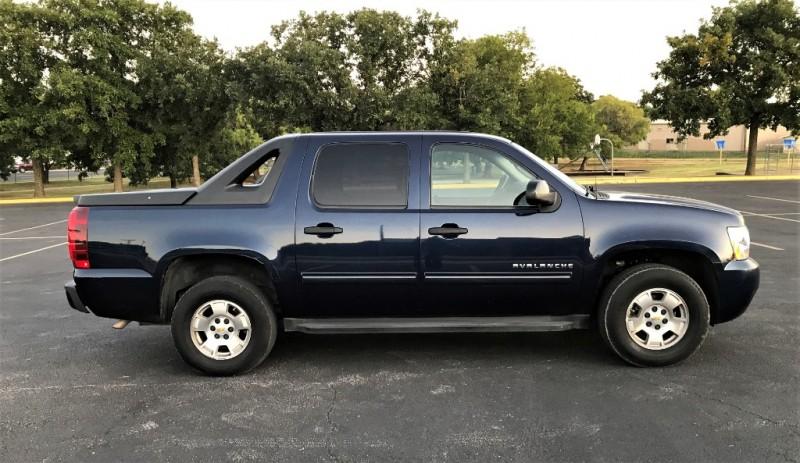 Chevrolet Avalanche 2010 price $6,995