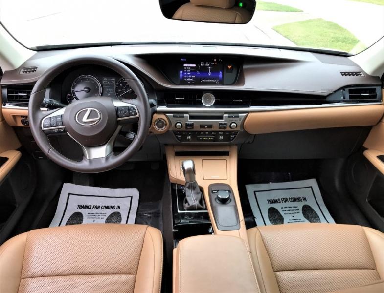 Lexus ES 350 2016 price $19,500
