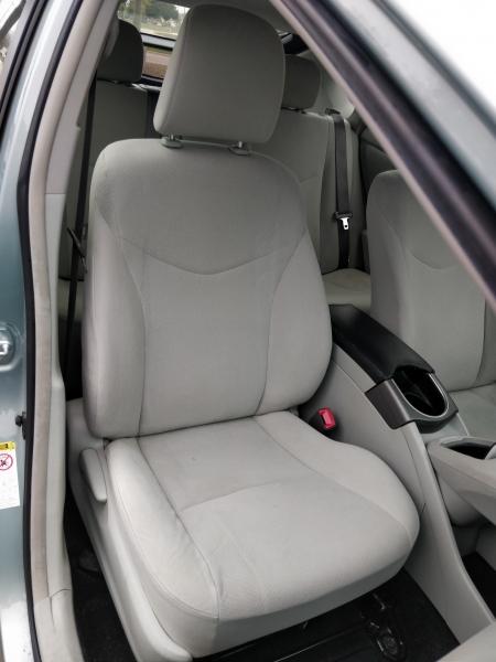 Toyota Prius 2012 price $6,475