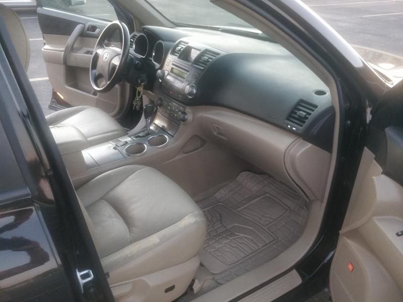 Toyota Highlander 2009 price $6,495