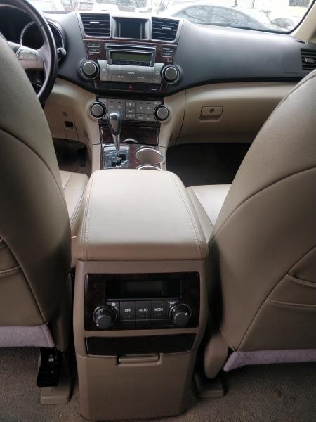 Toyota Highlander 2008 price $5,495