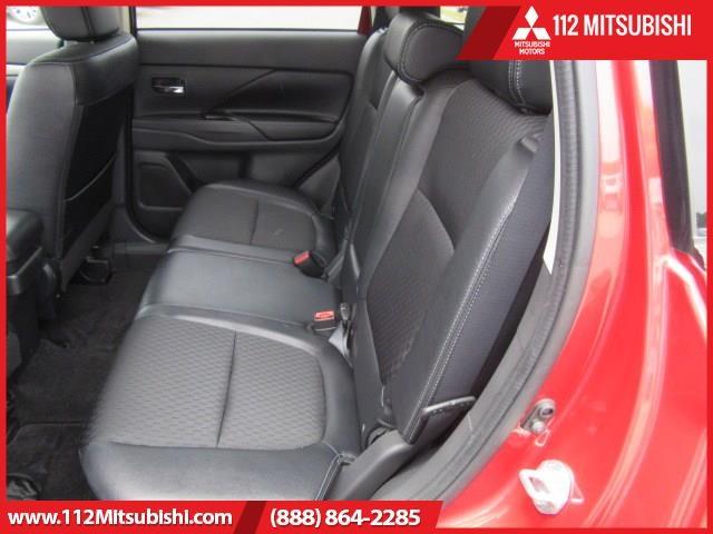 Mitsubishi Outlander 2015 price $18,995