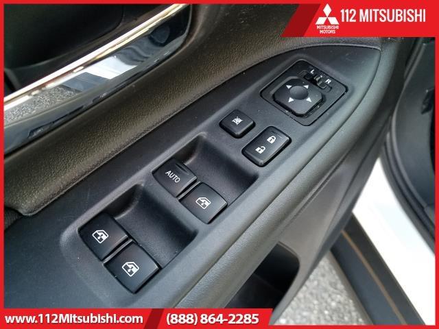 Mitsubishi Outlander 2017 price $15,995