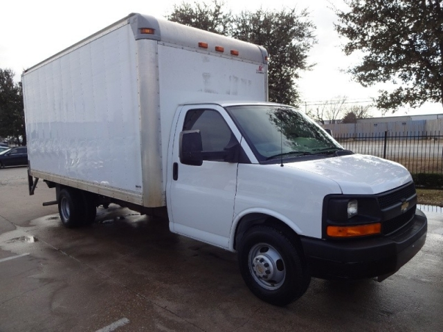 2010 Chevrolet Express 3500 Cutaway Box Truck