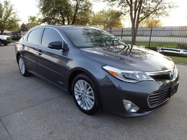 2014 Toyota Avalon Hybrid Limited Loaded