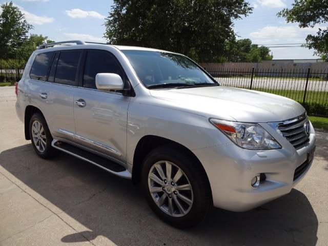 2011 Lexus LX570 Loaded NAV TV/DVD