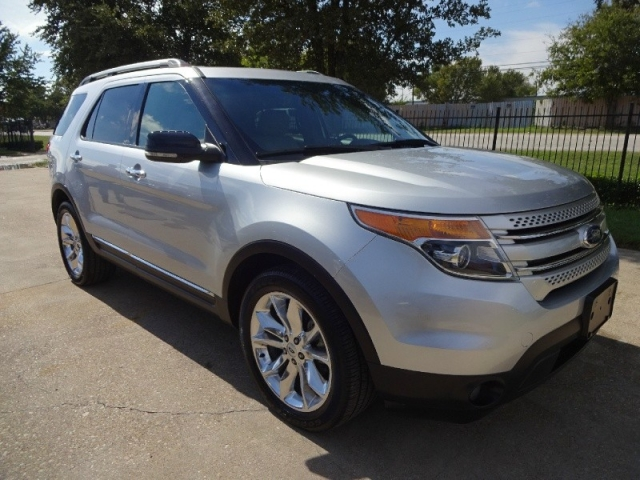 2012 Ford Explorer XLT Leather Navigation