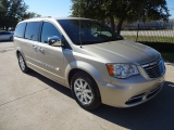 Chrysler Town & Country Touring-L NAV TV/DVD 2012