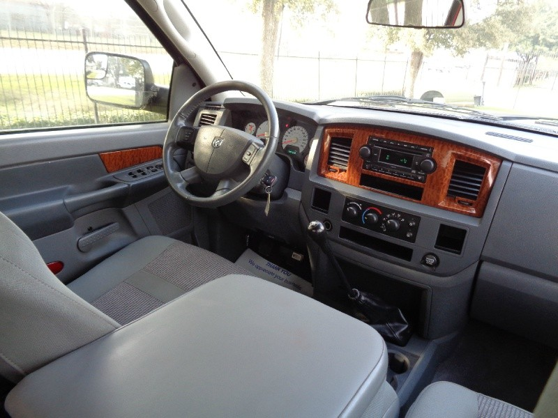 Dodge Ram 2500 SLT 6Spd Manual 5.9L Diesel 2006 price $12,995