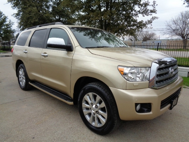2012 Toyota Sequoia Limited Navigation 4WD