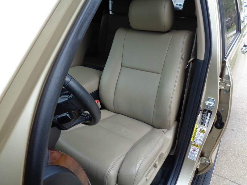 Toyota Sequoia Limited Navigation 4WD 2012 price $16,995