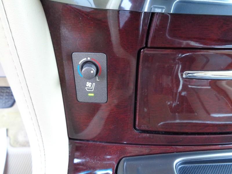 Lexus LX570 Navigation TV/DVD 2011 price $24,995