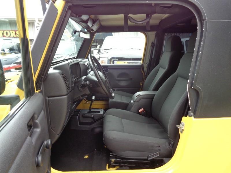 Jeep Unlimited LWB I6 4.0L 4WD 2006 price $16,495