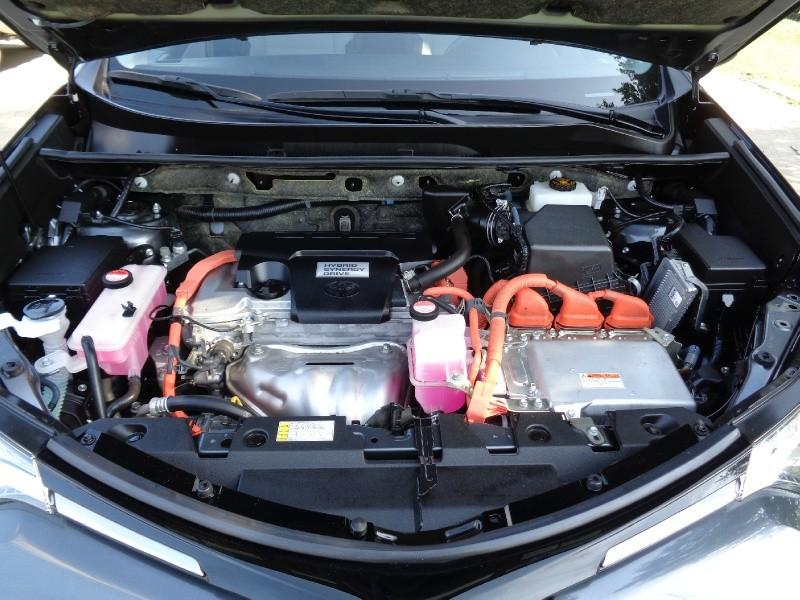 Toyota RAV4 XLE Hybrid AWD 2016 price $16,495