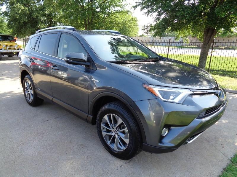 Toyota RAV4 XLE Hybrid AWD 2016 price $18,995