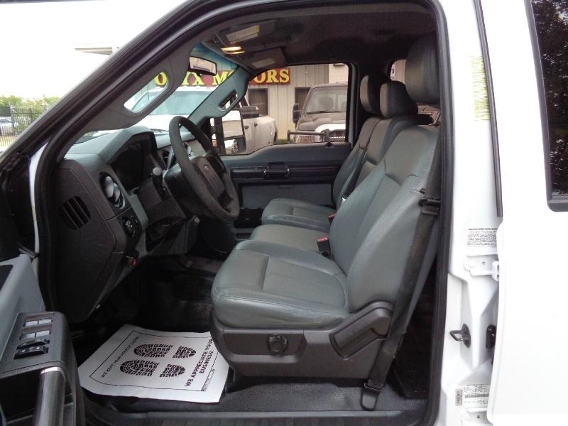 Ford F350 XL Crew DRW Diesel 2013 price $15,495