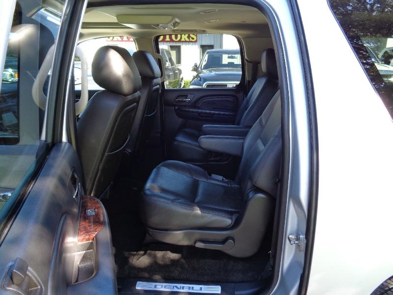 GMC Yukon XL Denali AWD Loaded 2014 price $19,995