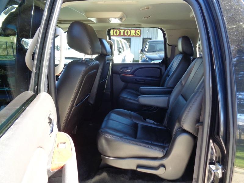 Chevrolet Suburban 2500 LT 6.0L 2012 price $16,495