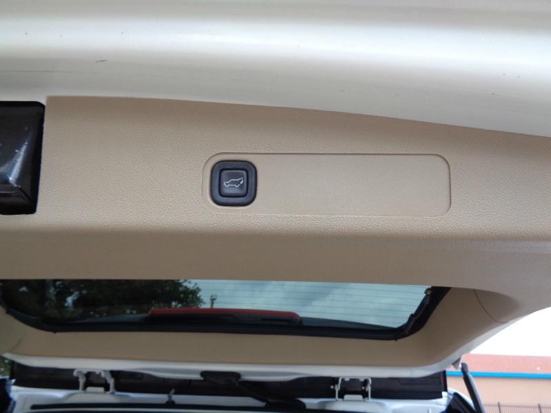 GMC Yukon XL Denali AWD Loaded 2009 price $12,995