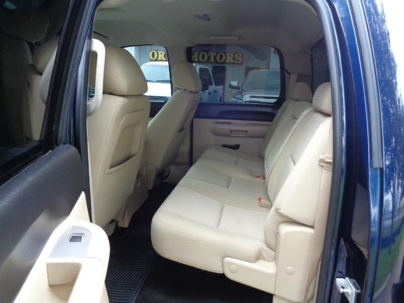 Chevrolet Silverado 2500 LT Crew Diesel 4WD 2011 price $24,995
