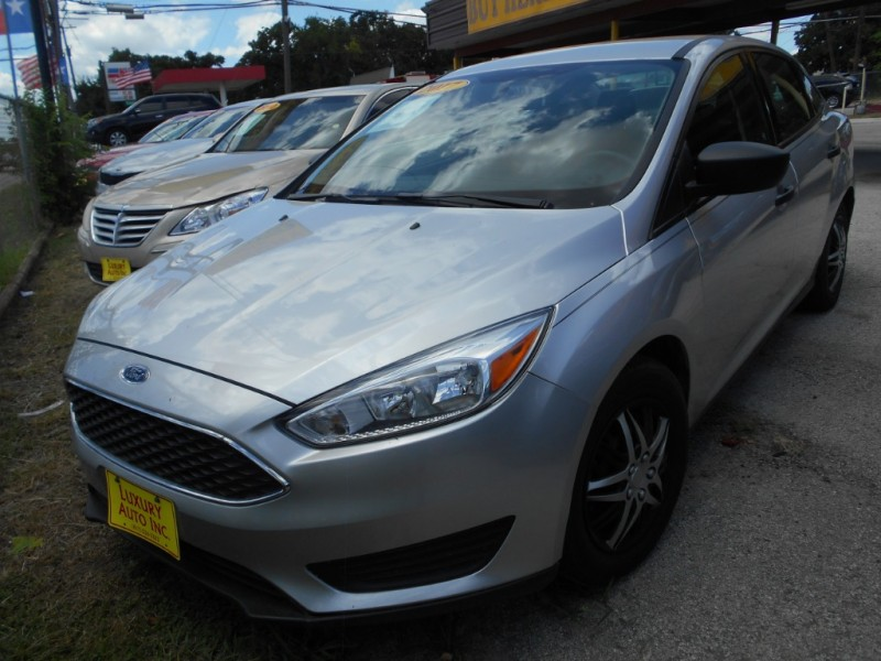 Ford Focus 2017 price Call Dealer