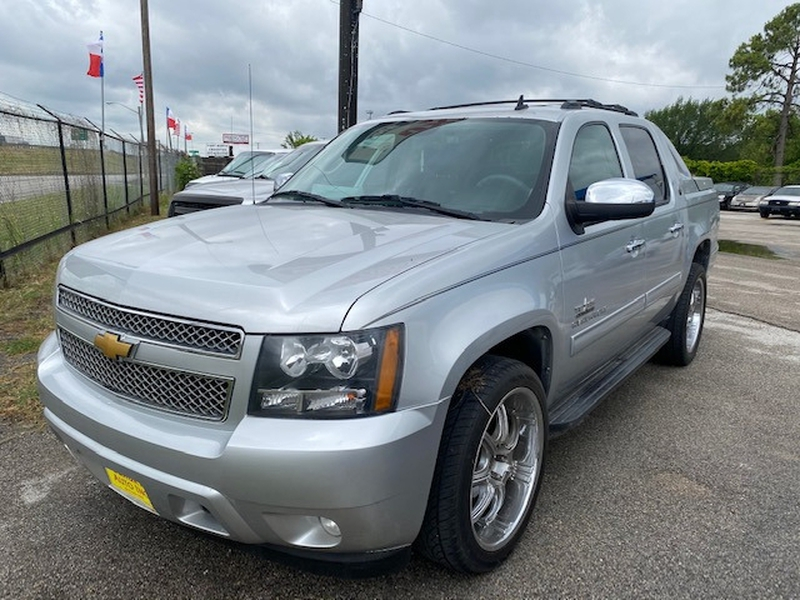 Chevrolet Avalanche 2013 price Call Dealer