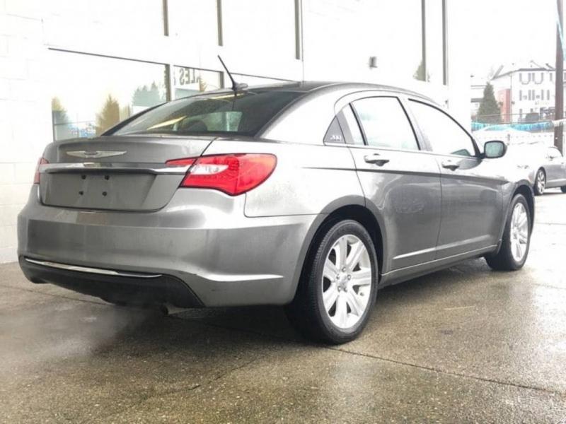 Chrysler 200 2013 price $10,995