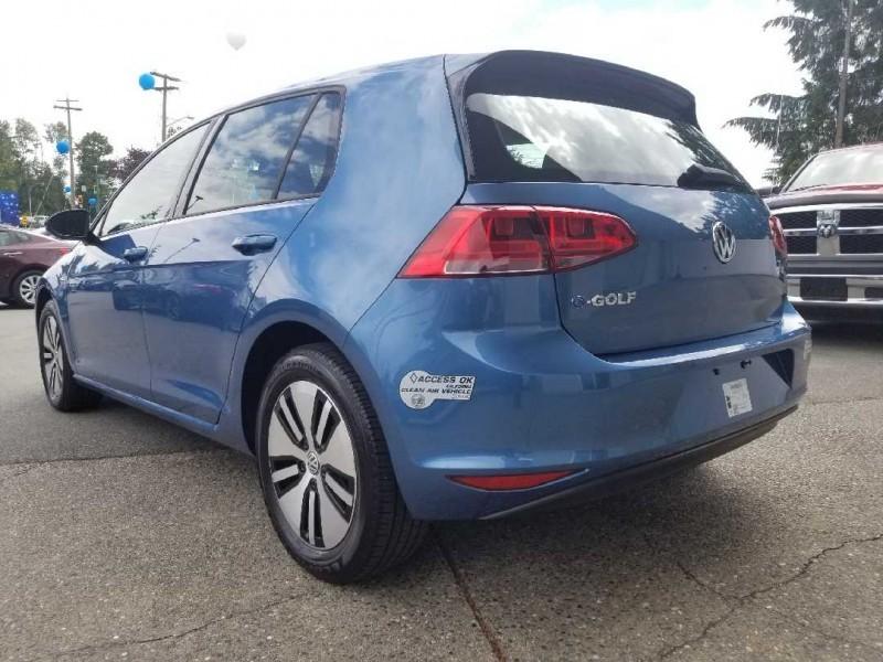 Volkswagen e-Golf 2016 price $26,888