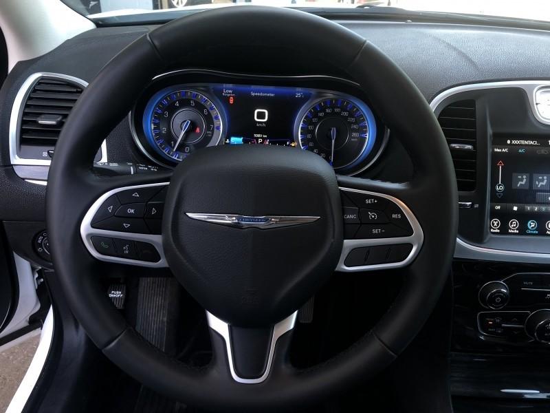 Chrysler 300 2017 price $22,999