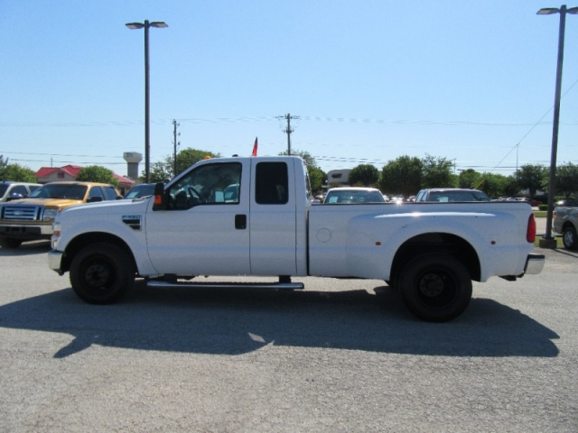 2009 Ford Super Duty F-350 DRW